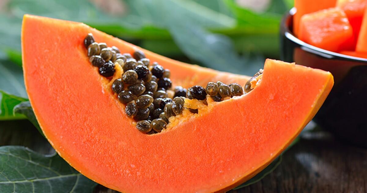 Papaya Fruit: 3 Health Benefits and 5 Recipes