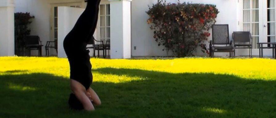 headstand-video.jpg
