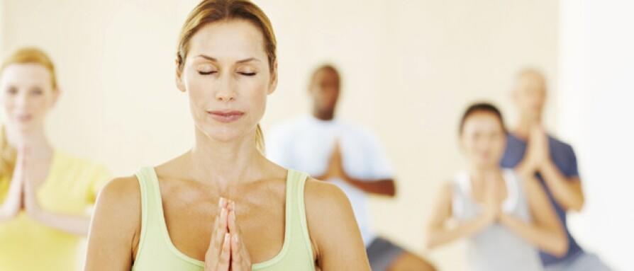 thoughts-that-go-through-every-yoga-teachers-mind.jpg