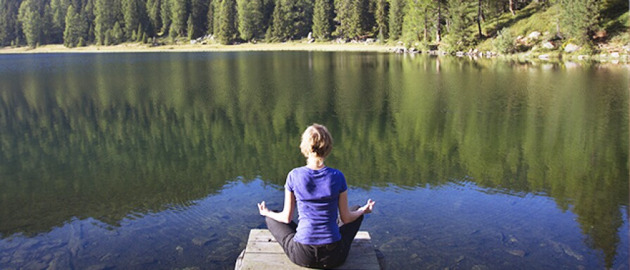 no-expectation-zone-letting-go-of-expectations-during-meditation.jpg