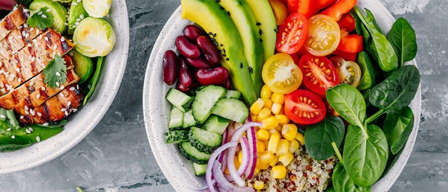 delicious healthy bowls veggies quinoa chicken