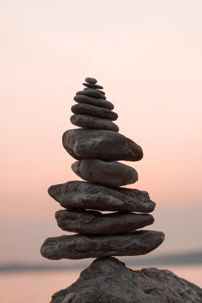 A close of of a tower of balanced rocks